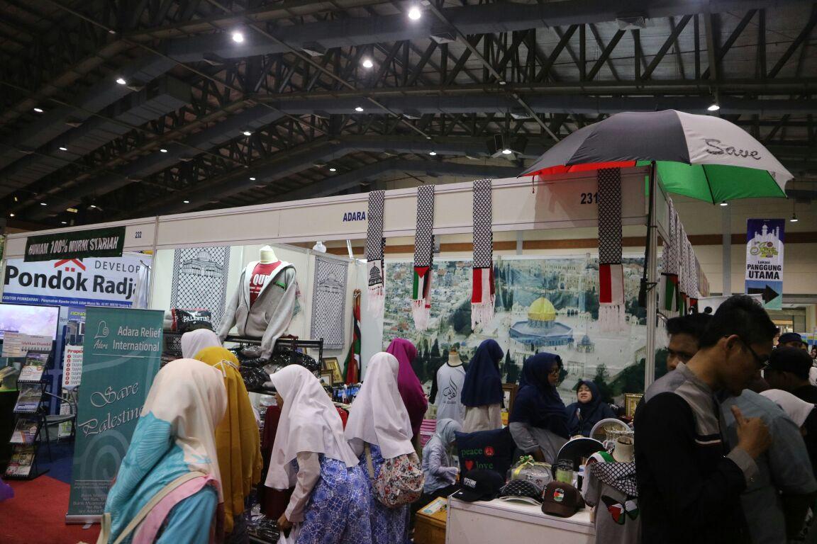 Pengunjung Islamic Book Fair Hari ke Tiga Masih Membludak