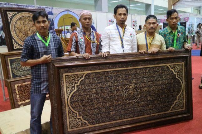 Pengunjung Islamic Book Fair Hari ke Tiga Masih Membludak2