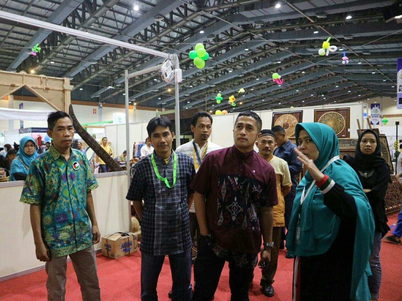 Pengunjung Islamic Book Fair Hari ke Tiga Masih Membludak3